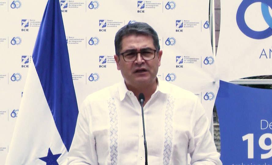U.S. prosecutors say Honduran president took bribes from drug traffickers