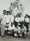 Frente a la tumba de Eduardo Chibás. Abel Santamaría y un grupo de jóvenes. Foto: Jessica Arroyo Malvarez/RHC