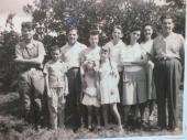 Foto familiar de derecha a Izquierda Benigno Santamaría, Yolanda Vázquez, Aida Santamaría, Abel, su tía Clafira, Adolfo Vázquez, su tío paterno Nicanor y sus primas Irma y Mery. Foto: Jessica Arroyo Malvarez/RHC
