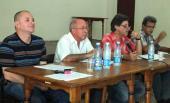 De izquierda a derecha Onelio Castillo, director de Información Nacional de la Radio Cubana, Guillermo Pavón, vicepresidente del Instituto cubano de Radio y Televisión (ICRT), Isidro Fardales , director de Radio Habana Cuba
