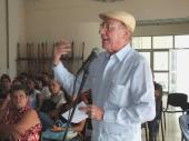 Como parte de la actividad, que tuvo por escenario, el teatro de la Unión Nacional de Arquitectos e Ingenieros de Cuba, Pedro Martinez Pirez , subdirector de RHC, reconoció a trabajadores que se destacaron por su trayectoria durante el pasado año con un sello con el logo de la emisora, cortesía de la escritora ecuatoriana , Marigloria Cornejo Cousin.